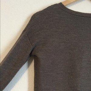 Tahari Crew Neck Brown Sweater Top Size Small